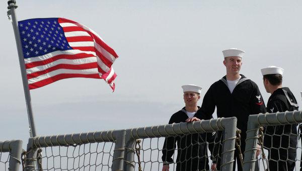 Моряки фрегата Военно-морских сил США, архивное фото
