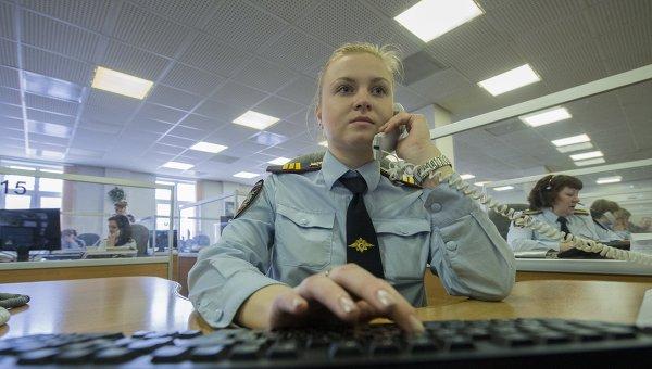 Сотрудница службы 02 ГУ МВД по г. Москве. Архивное фото
