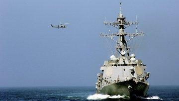 Американский эсминец Truxtun, направленный в Черное море
