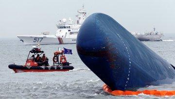 Спасательная операция на затонувшем у побережья Южной Кореи парома Севол