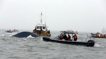 Затонувший у побережья Южной Кореи паром Севол