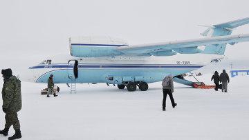 Самолет AN-72. Архивное фото