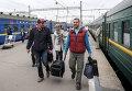 Пассажиры на Киевском вокзале в Москве
