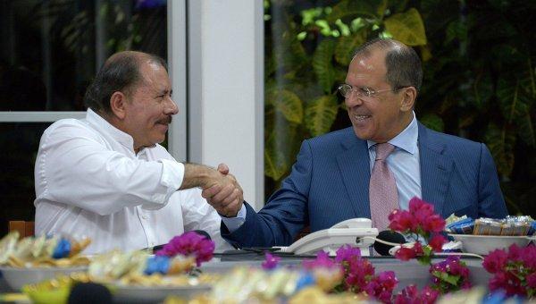 Министр иностранных дел России Сергей Лавров и президент Никарагуа Даниэль Ортега во время встречи в Манагуа, архивное фото