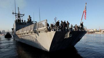 Ракетный эсминец военно-морских сил США. Архив