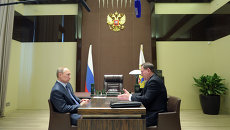 В.Путин провел рабочую встречу с А.Михайловым