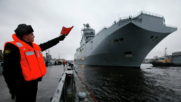 Французский военный корабль-вертолетоносец класса Мистраль