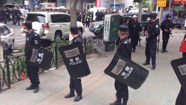 На месте взрыва в китайском городе Урумчи