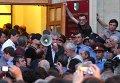 Оппозиционеры ворвались в администрацию президента Абхазии