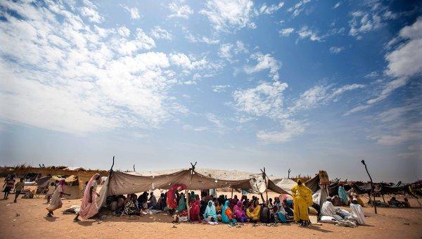 Лагерь для беженцев вблизи города Ньяла, Судан. Архивное фото