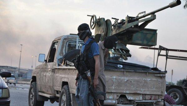 Боевики группировки Исламское государство Ирака и Леванта используют военную технику, захваченную у правительственных войск. Архивное фото