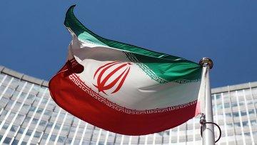 Иранский флаг напротив штаб-квартиры ООН в Вене. Архивное фото