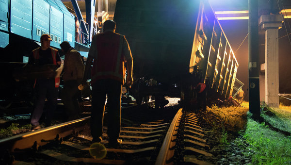 Подрыв железнодорожного полотна на перегоне Иловайск-Кутейниково в Донецкой области.