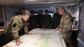 Президент Украины П.Порошенко посетил штаб Нацгвардии в Донецкой области. Архивное фото