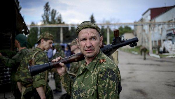 Бойцы народного ополчения ЛНР. Архивное фото