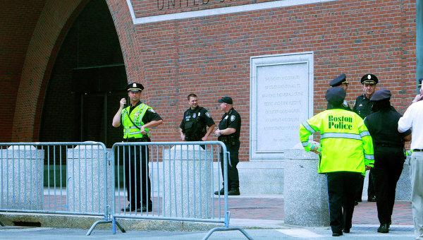 У здания суда в Бостоне. Архивное фото