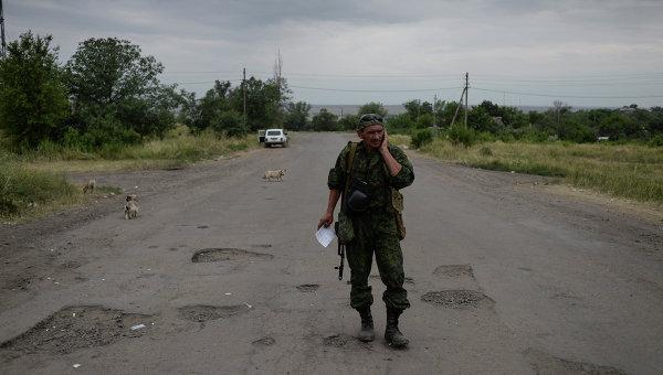 Ополченец в Луганской области. Архивное фото.