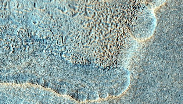 Снимок поверхности Марса, сделанный камерой HiRise. Архивное фото