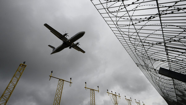 Самолет заходит на посадку в аэропорту Внуково. Архивное фото