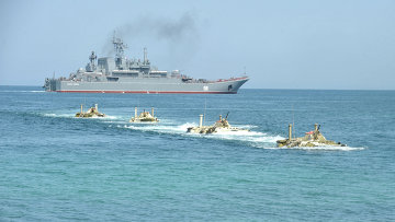 Высадка десанта морской пехоты Черноморского флота РФ. Архивное фото