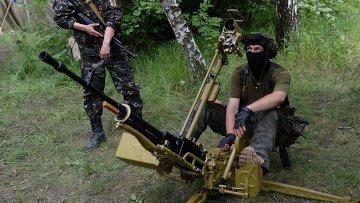 Бойцы народного ополчения на востоке Украины. Архивное фото