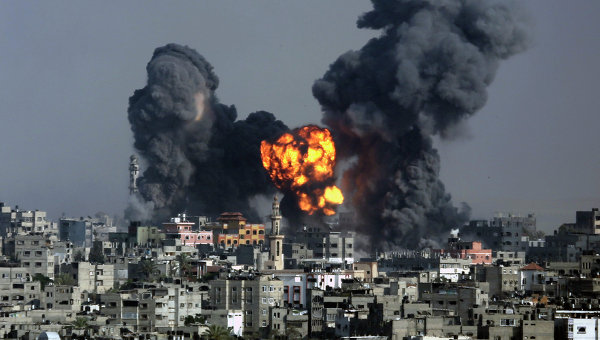 Взрыв после израильского авиаудара по Сектору Газа