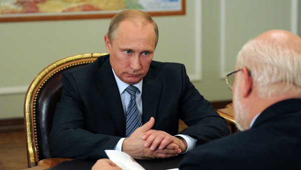 Рабочая встреча Владимира Путина с Михаилом Федотовым. Архивное фото
