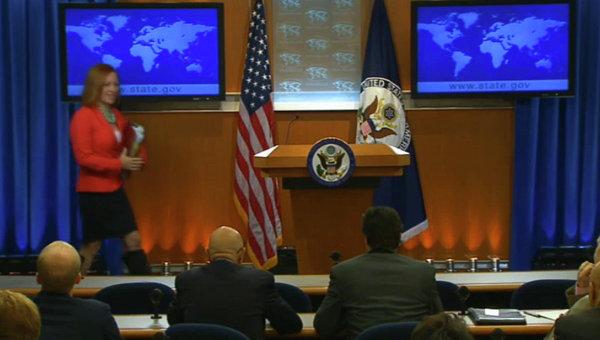 Кадр из видео. Брифинг для журналистов. Пресс-секретарь Госдепартамента США Джен Псаки