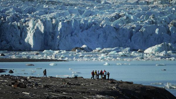 Архипелаг Новая Земля, ледник на  острове Северный. Архивное фото