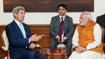 Госсекретарь США Джон Керри с премьер-министром Индии Нарендра Моди