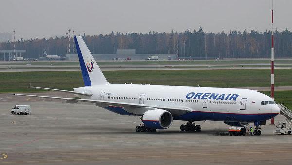 Боинг авиакомпании Оренбургские авиалинии. Архивное фото