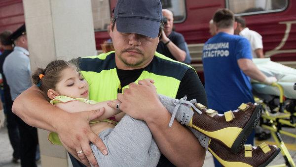 Девять тяжелобольных детей с востока Украины прибыли в Москву. Архивное фото