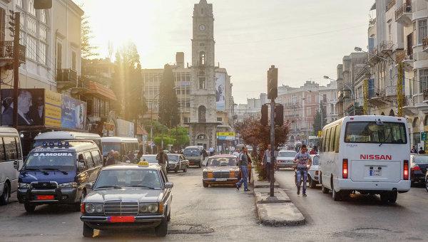 Автомобильное движение на одной из улиц Триполи