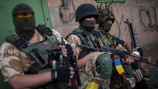 Солдаты украинской армии из батальона Донбасс. Архивное фото.