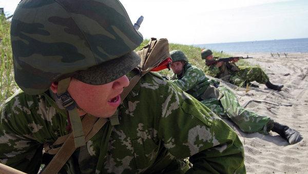 Отряд десантников во время учений. Архивное фото