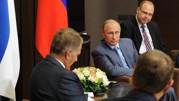 Президент России Владимир Путин и президент Финляндии Саули Ниинисте