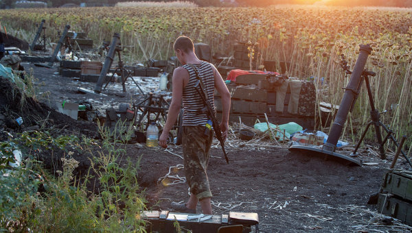 Боец украинской армии возле Донецка