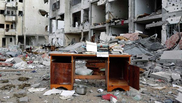Письменный стол на улице города Бейт-Лахия на севере сектора Газа. Архивное фото