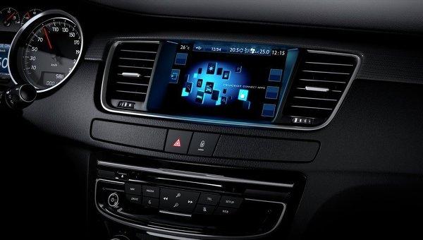 Приборная панель автомобиля Peugeot 508