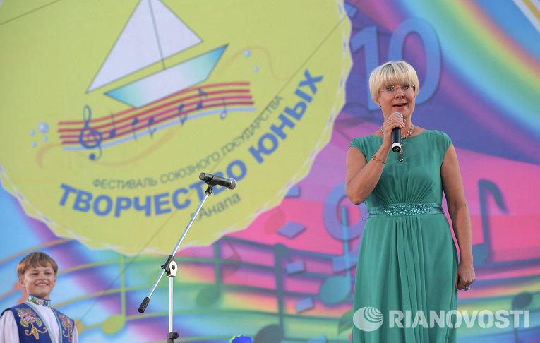 Илона Броневицкая на фестивале Союзного государства Творчество юных в Анапе