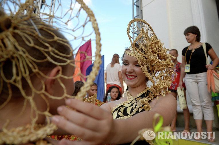 Участницы фестиваля Союзного государства Творчество юных в Анапе