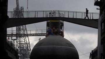 Спуск на воду подводной лодки. Архивное фото