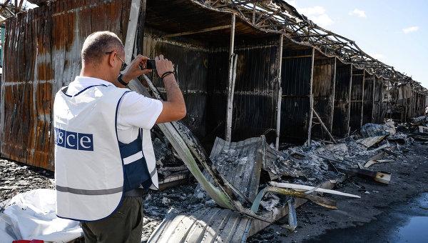 Представитель ОБСЕ фиксирует разрушения от обстрела украинскими военными Донецка. Архивное фото