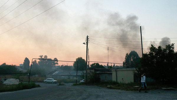 Дым над пригородом Донецка. 4 сентября 2014 года