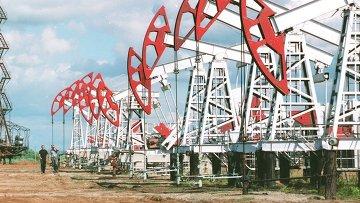 Нефтяные вышки компании Башнефть. Архивное фото.
