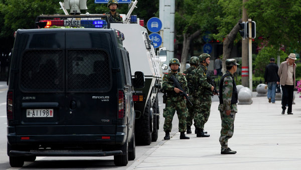 Китайская полиция в регионе Синьцзян