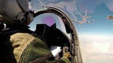 Самолет ВВС Франции в небе на Ираком