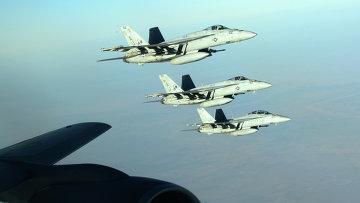 Самолеты ВВС США в небе. Архивное фото
