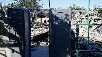 Результаты обстрела Донецка украинскими военными. Архивное фото.