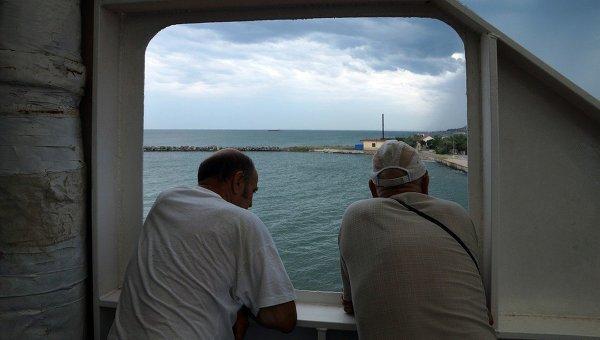 Паромная переправа через Керченский пролив. Архивное фото